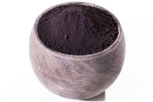 manganese umber powder in a pot
